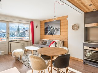Cosy apartment with view over mountains in Megève - W203