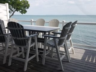Put-in-Bay Brand New 10-Person Waterfront Condo