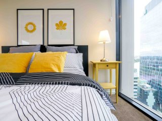 Brisbane City LIving | BRAND NEW 2B2B APY | FREE CAR PARK