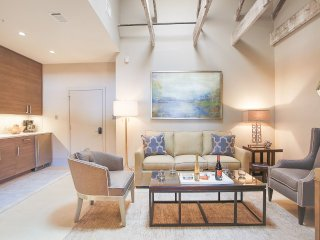 Stay with Lucky Savannah: Stylish Downtown Lofts Minutes Away from River St.