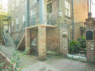 Stay with Lucky Savannah: Perfect historic home for a family on vacation