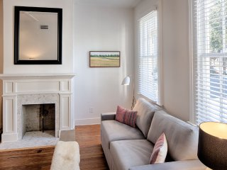 Stay with Lucky Savannah: Elegantly appointed home in the Historic District