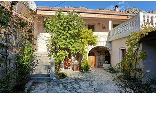 Maison en pierre à Blaskovici-Crikvenica