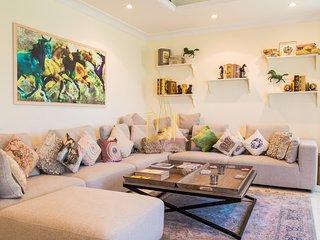 Luxury Beach Villa - Ahlan Holiday Homes