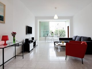 ARLOZOROV 180 SPACIOUS APARTMENT QUIET AREA