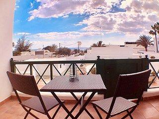 Apartamento Preciosa con terraza, Sat-TV, Wifi y vista al mar, 250m de la Playa