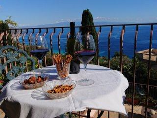 Taormina, Villa Galante, appartamento con terrazzo e vista sul mare