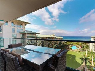 Panoramic views from the lanai, access to beach, pools, hot tubs & more!