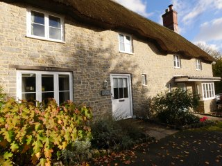 Frome Cottage in heart of Evershot