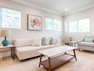 Well Appointed 1br near the Pier and Santa Monica