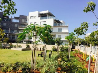 Herzliya Luxury - Brand new 4 BR apartment in the best location
