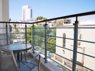 Yohanan HaSandlar St 20 - modern 2 rooms -balcony