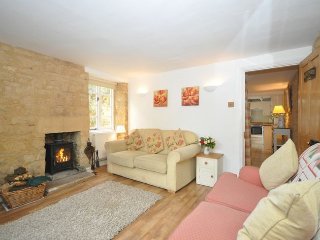 29027 Cottage in Bourton-on-th