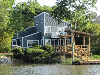 Water Front Home W/Dock, 10% Disc Parris Island Grad Parents