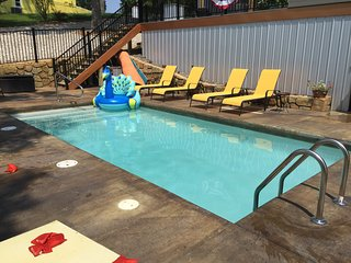 Hot tub, dock, boat rental, fireplace, game room - Houses for Rent in Lake