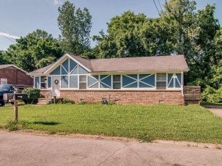 Perfect East Nashville home only 7 miles from downtown!