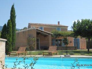 JDV Holidays - Villa St Valentin, Bedoin, Provence