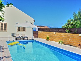 Villa Majestic: Tranquil  beach front villa, private pool, air-conditioned