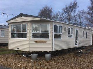 Superior 2 Bedroom, 6 Berth Caravan