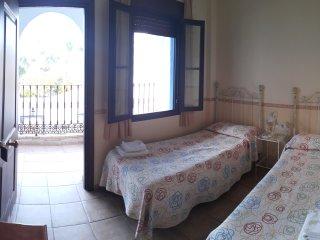 Habitacion doble dos camas,en el Castillo de las Guardas