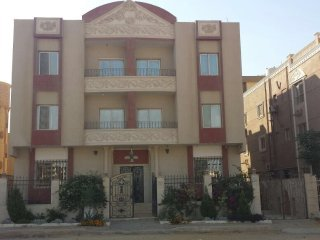 VACANT LUXURIOUS FLATS IN THE MOST PRESTIGIOUS AREA IN CAIRO 2
