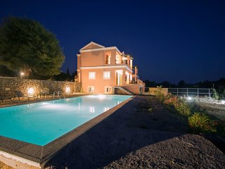 Luxury Villa Perla