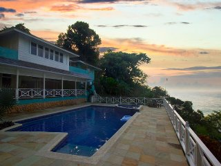 WATERFRONT LUXURY! CHEF! POOL! BE SPOILED!Kai Kala, Ocho Rios 6BR