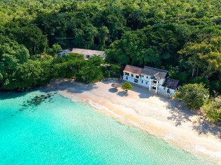 Frankfort- Ocho Rios - 6 br - BEACHFRONT Luxury Villa!! Fully staffed