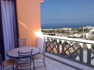 Fantastic View, just a few minutes from the beach and restaurants
