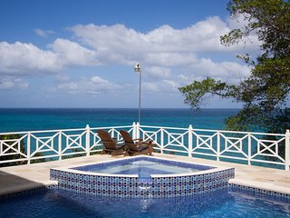 WATERFRONT LUXURY! CHEF! POOL! BE SPOILED! Kai Kala, Ocho Rios 10BR