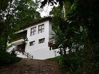 Beach house at São Pedro(House Condo)in the forest