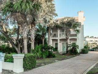 At Rainbow's End-5BR-Dec 22 to 26 $1339! Private Pool-Walk to Crystal Beach!