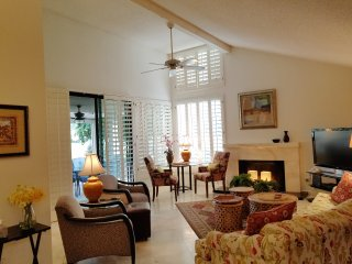 Our Second Pretty Condo in a Wonderful Palm Springs Golf &Tennis Neighborhood!