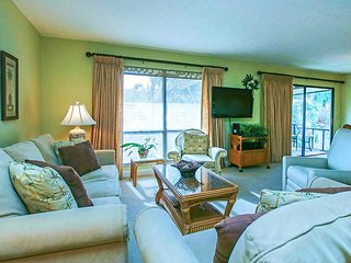 2/2 Renovated Lovely Condo Best Beach on Island!