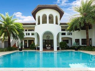 Huge 11BED Villa, Waterfront, Amazing must seen!