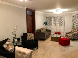 BEAUTIFUL Apt  in heart of Santo Domingo with WiFi+AC