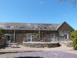 Self Catering cottages for large groups - Bythynnod Sarn Group Cottages 489194