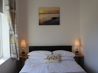 Sea Breakers Holiday Cottage with wifi.