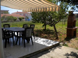 Guest house Ava-just 80m from beach