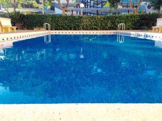 APARTAMENTO PLAYA CANET. Fabuloso atico con piscina cerca de la playa