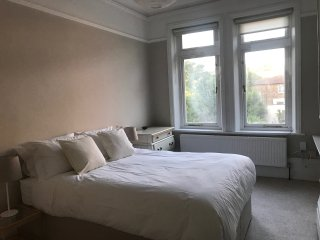 Beautiful spacious 2 bed 1st Floor Flat with own patio