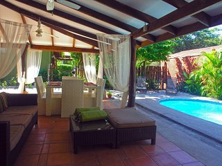 Villa Las Olas: 2 bed 2 bath, outdoor kitchen pool