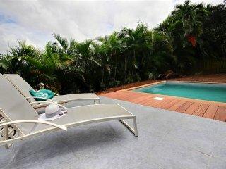 Villa de charme 4ch avec piscine et jardin tropical