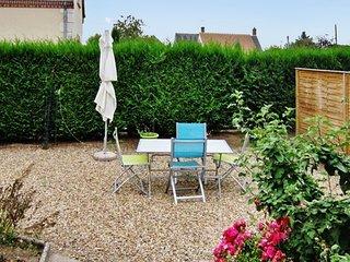 Modern 1-bedroom flat with garden