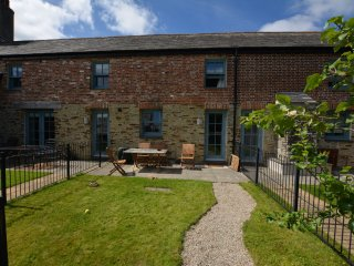 45394 Cottage in Charlestown