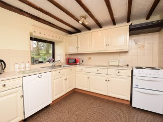 PK173 Cottage in Chapel-en-le-