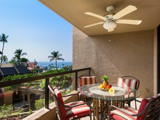 Remodeled 1 bedroom, close to town, oceanview, Kona Pacific B310