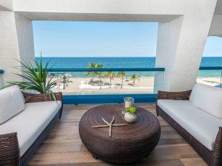 Recharge in this ultra luxury 2 Bedroom | 2 Bath seaside