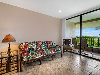 Kalanikai 306, Ocean view 1 bedroom, 1 bath right in the heart of town!