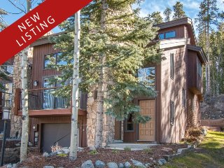 Amerind End-Unit Townhome in Warrior`s Mark - Walk to Quicksilver Lift and Downt
